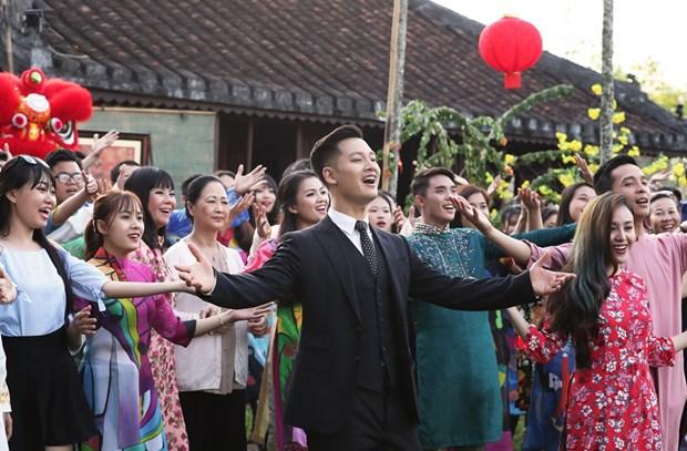 Duc Tuan hoai niem khong khi Tet xua trong MV 'Ly ruou mung' hinh anh 1