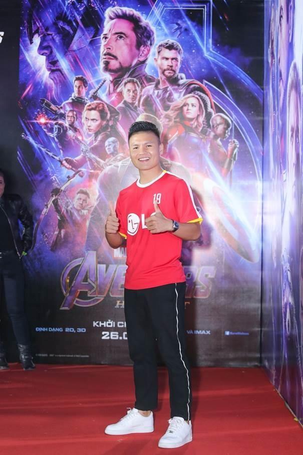Sao Viet gay 'bao' tham do cong chieu bom tan 'Avengers: Endgame' hinh anh 2