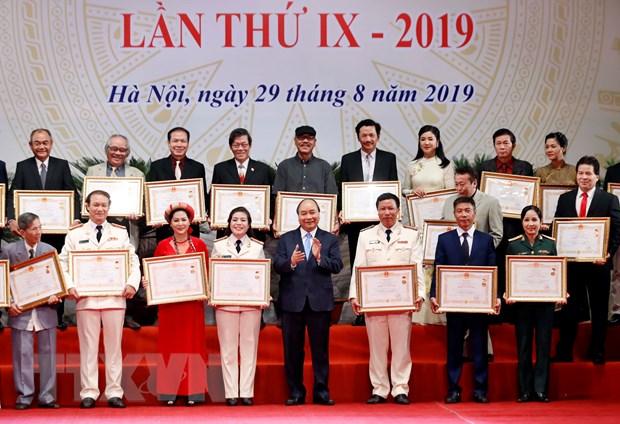 Thu tuong trao tang danh hieu Nghe sy Nhan dan cho dien vien Tran Hanh hinh anh 1