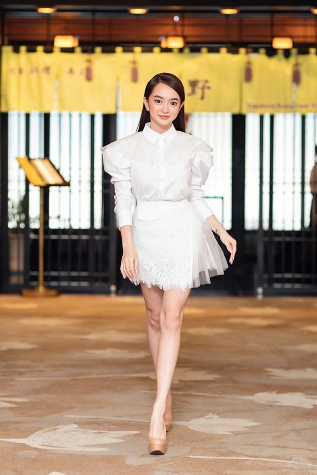 Kaity Nguyen va nhung buoc di 'kho doan' cua 'ke ngoai dao' hinh anh 1