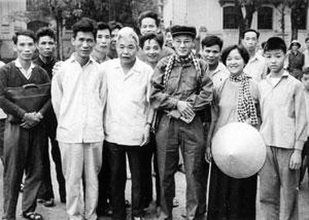 TTXVN dong hanh cung dan toc den dai thang mua Xuan 1975 hinh anh 1