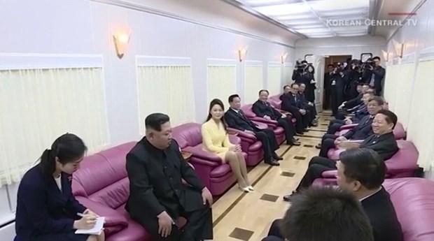 Truc tiep: Chu tich Trieu Tien Kim Jong-un da ve khach san Melia hinh anh 9