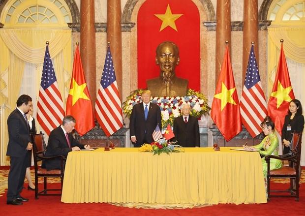 Ong Trump khen ong Kim trong cuoc gap dau tien o Metropole hinh anh 28