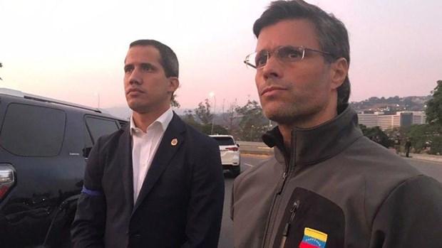 Co tieng sung no ben ngoai can cu khong quan o Venezuela hinh anh 1