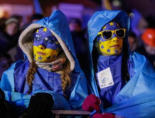 EU do bo 98% thue quan doi voi hang hoa Ukraine hinh anh 1