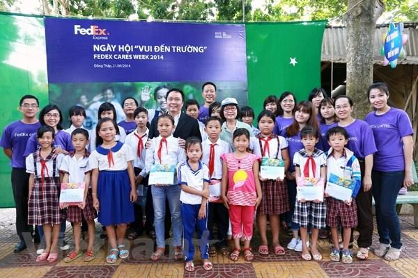 FedEx tang 137 hoc bong toan phan cho hoc sinh kho khan o Dong Thap hinh anh 1
