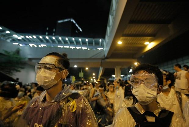 Hong Kong cang thang, phe bieu tinh chi vien cho luc luong o Mong Kok hinh anh 1