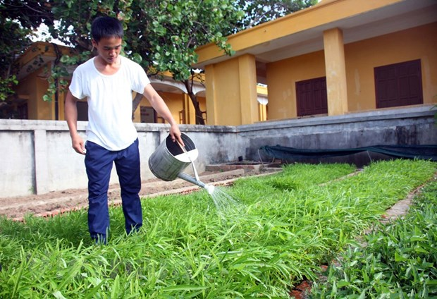 Chien sy dao Truong Sa luon ren luyen theo guong Chu tich Ho Chi Minh hinh anh 2