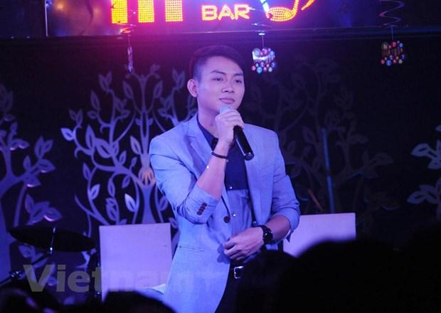 [Video] Hoai Lam nghen ngao trong toi sinh nhat gap