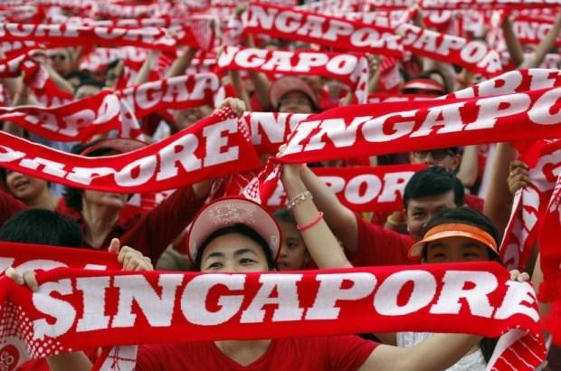 [Video] Dang cam quyen Singapore thang cu theo ket qua kiem phieu mau hinh anh 1
