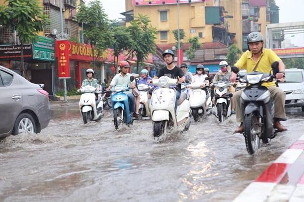 Ha Noi: Do dai phan cach duong Nguyen Chi Thanh de chong ngap hinh anh 7
