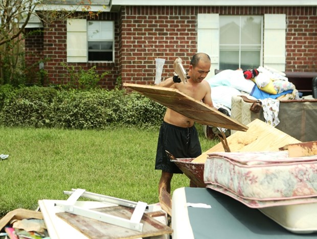 [Photo] Thanh pho Baton Rouge hoang tan sau tran lu lut khung khiep hinh anh 2