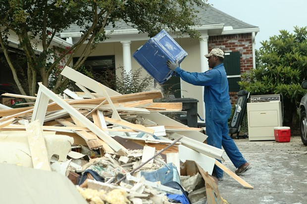 [Photo] Thanh pho Baton Rouge hoang tan sau tran lu lut khung khiep hinh anh 7