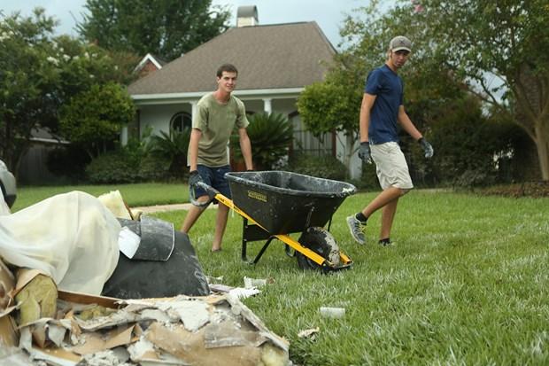 [Photo] Thanh pho Baton Rouge hoang tan sau tran lu lut khung khiep hinh anh 8