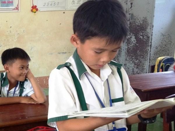 Tang bang khen em hoc sinh lop 3 tra lai 44 trieu dong cho nguoi mat hinh anh 1