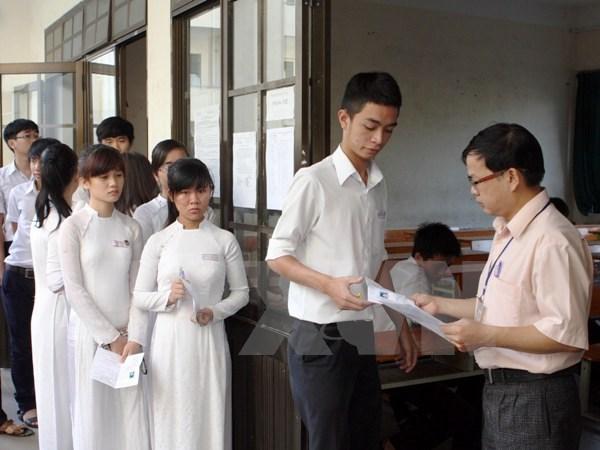"Thay doi thi vao lop 10: Ha Noi da phat 700 phieu ""trung cau dan y"" hinh anh 2"