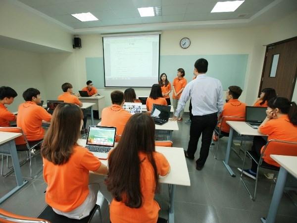 Cuoc thi FPT Edu Hackathon lay cam hung tu Cach mang Cong nghiep 4.0 hinh anh 1