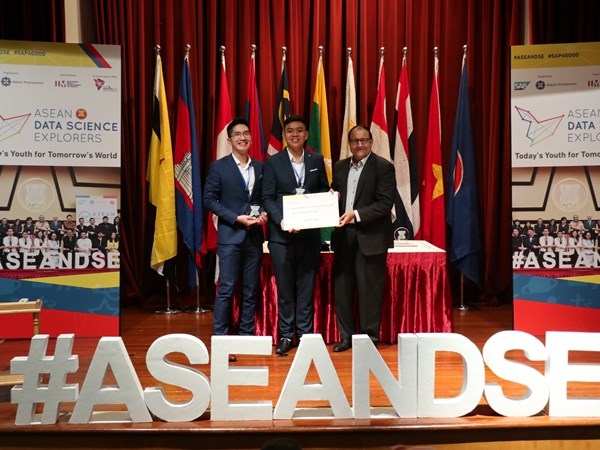 Sinh vien Viet Nam gianh giai ba cuoc thi Kham pha khoa hoc so ASEAN hinh anh 1