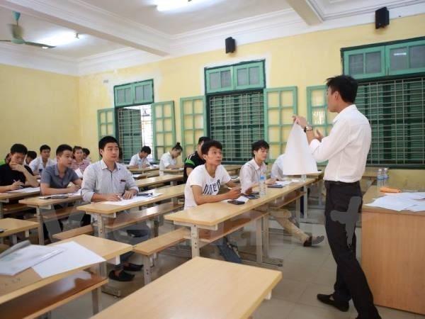 Xu ly thi sinh gian lan: Truong dai hoc khong thu dong ngoi cho Bo hinh anh 1