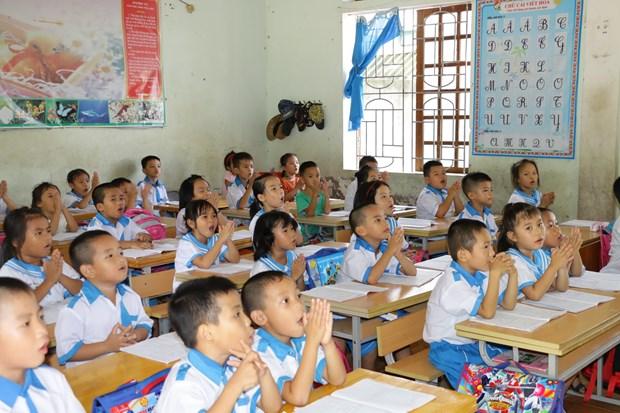 Giờ học tiếng Việt công nghệ của học sinh trường Tiểu học Quán hành, huyện Nghi Lộc. (Ảnh: Bích Huệ/TTXVN)