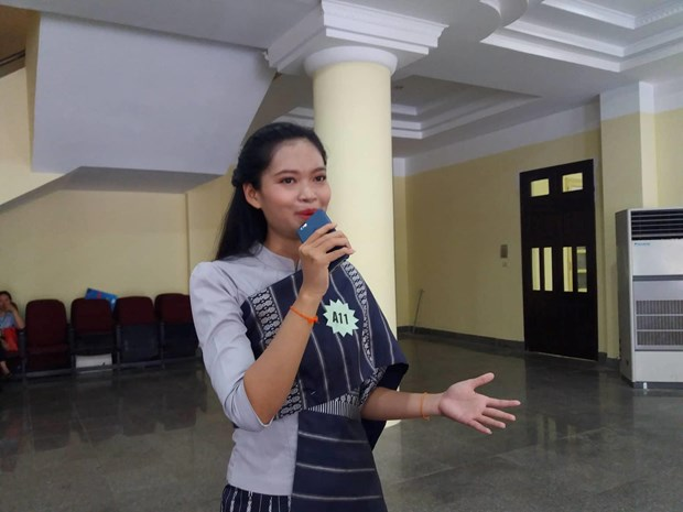 Thi hung bien tieng Viet: San choi bo ich cho cac du hoc sinh Lao hinh anh 2