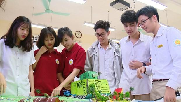 Bo Giao duc chan chinh cac khoan thu dau nam hoc 2020-2021 hinh anh 1