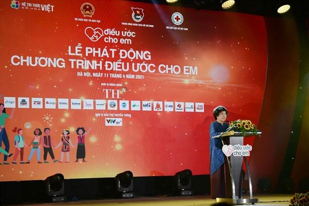 """Phat dong chuong trinh """"Dieu uoc cho em"""" vi hoc sinh vung kho hinh anh 4"""