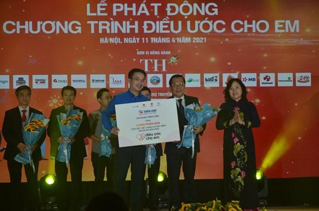 """Phat dong chuong trinh """"Dieu uoc cho em"""" vi hoc sinh vung kho hinh anh 3"""