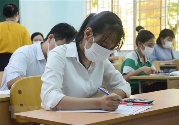 Phổ điểm lạ môn Ngoại ngữ và bài toán chênh lệch giáo dục vùng miền