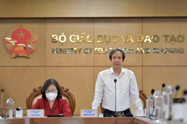 Bo truong Bo GD-DT: 'Truoc mat chung ta la mot nam hoc day thu thach' hinh anh 1