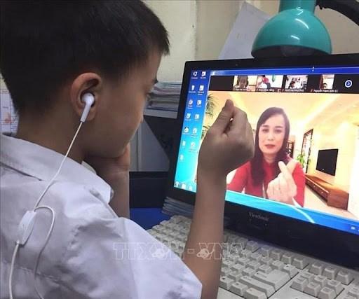 """Song va may tinh cho em"": Trao yeu thuong de nuoi duong nhung uoc mo hinh anh 2"