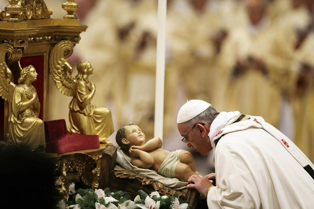 Giao hoang Francis don Giang sinh dau tien o Vatican hinh anh 1