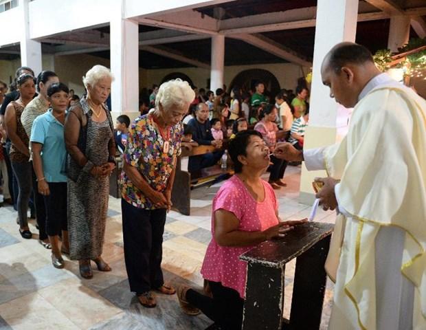 Giao hoang Francis don Giang sinh dau tien o Vatican hinh anh 3