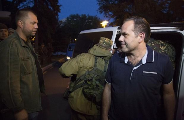 Luc luong ly khai Ukraine tha nhom quan sat vien OSCE thu hai hinh anh 1