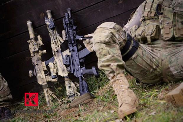 Kalashnikov cai to thuong hieu va gioi thieu 3 dong sung moi hinh anh 2