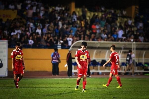 Hoang Anh Gia Lai thua tan nat, Ha Noi FC chiem ngoi dau bang hinh anh 1
