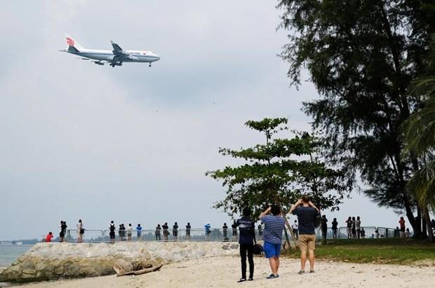Nguoi dan Singapore thi nhau chup chiec may bay cho ong Kim Jong-un hinh anh 1