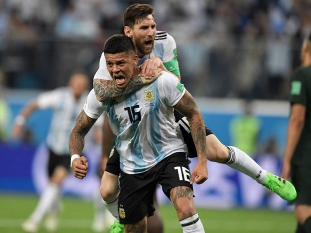 Nguoi hung Rojo tiet lo nhung gi Messi da noi sau tinh huong cham tay hinh anh 1
