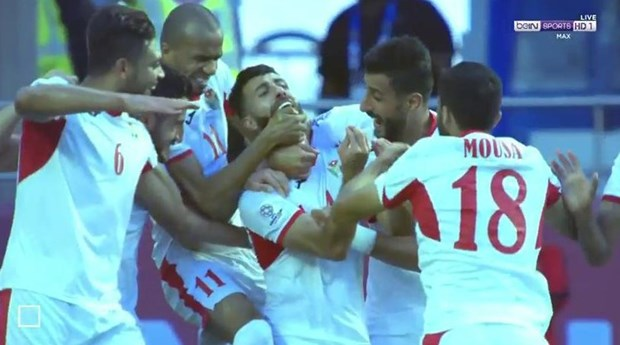 Jordan-Viet Nam 1-0: Xem ban thang cua Jordan vao luoi Dang Van Lam hinh anh 1