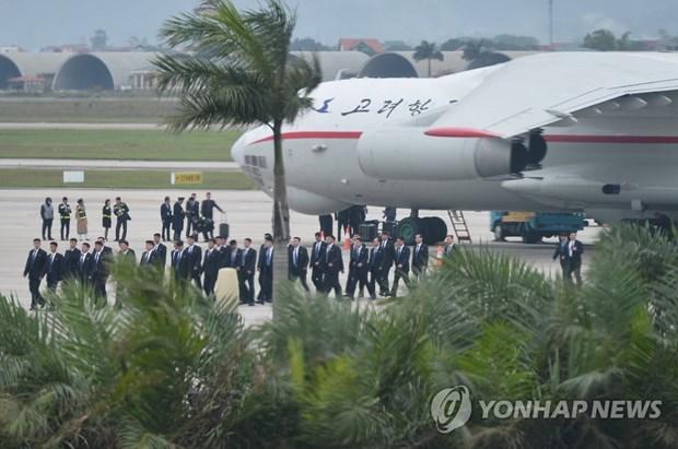 Truc tiep: Chu tich Trieu Tien Kim Jong-un da ve khach san Melia hinh anh 4