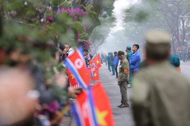 Truc tiep: Chu tich Trieu Tien Kim Jong-un da ve khach san Melia hinh anh 54