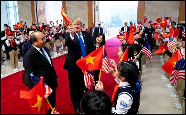 Tong thong Trump gay sot voi khoanh khac muon la co Viet Nam hinh anh 1