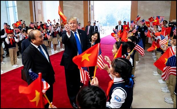 Ong Trump khen ong Kim trong cuoc gap dau tien o Metropole hinh anh 34