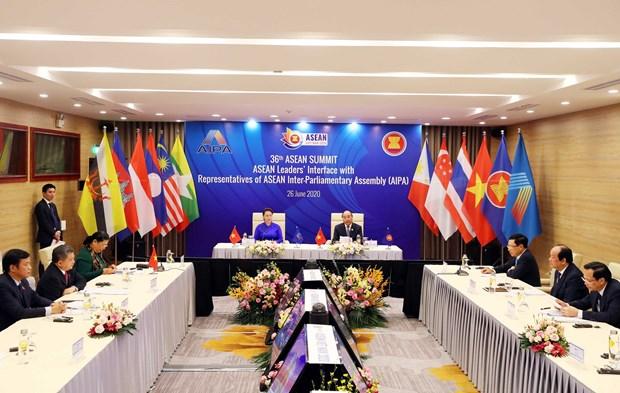 Thủ tướng Nguyễn Xuân Phúc, Chủ tịch ASEAN 2020 và Chủ tịch Quốc hội Nguyễn Thị Kim Ngân, Chủ tịch Hội đồng Liên Nghị viện ASEAN (AIPA) lần thứ 41 chủ trì Đối thoại giữa các Nhà lãnh đạo ASEAN và AIPA. Ảnh: Thống Nhất - TTXVN