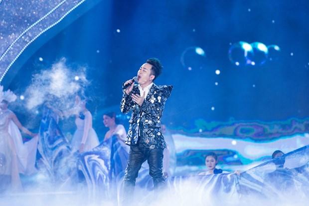 Tung Duong: Trong am nhac, toi khong bao gio hai long voi chinh minh hinh anh 2