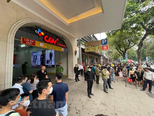 Ha Noi: Kip thoi dap tat dam chay tang ham Trang Tien Plaza hinh anh 2
