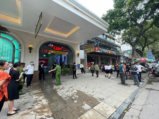 Ha Noi: Kip thoi dap tat dam chay tang ham Trang Tien Plaza hinh anh 3