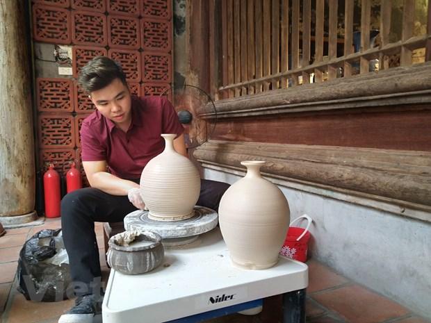 Cac nghe nhan cung ke 'Chuyen cua gom' trong long pho co Ha Noi hinh anh 1