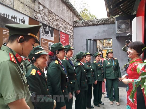 """Nhung """"tai xe toc dai"""" tren tuyen duong Truong Son huyen thoai hinh anh 1"""