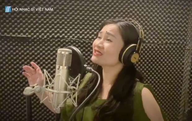 Chu tich Hoi Nhac sy Viet Nam: 'Am nhac luon dong hanh cung dan toc' hinh anh 2